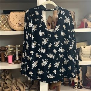 Sanctuary Roxie floral blouse. Small.